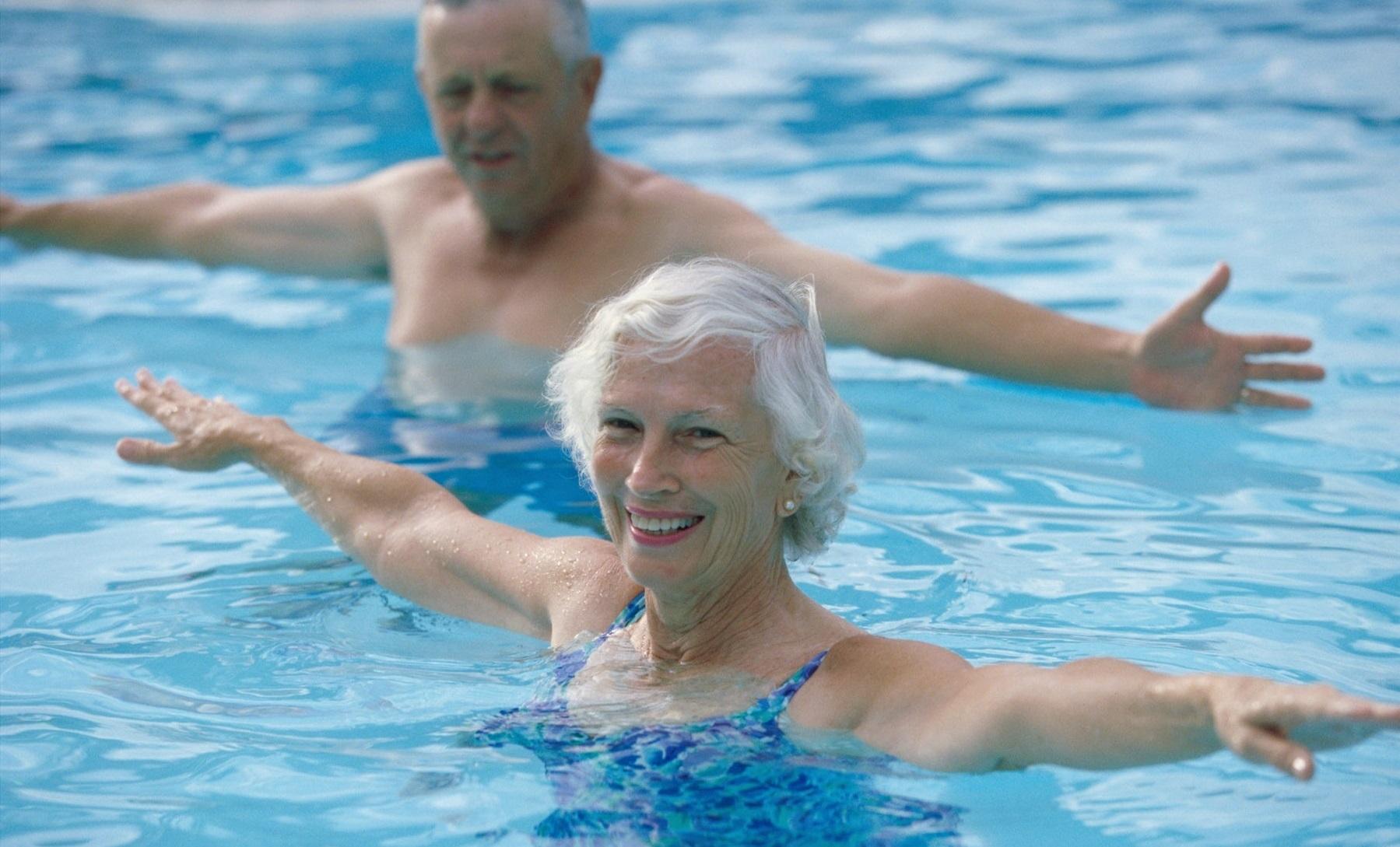 sport sante - natation - exercice physique - energie - entrainement - bien-etre - forme